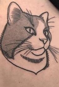 侧腰纹身图 女生侧腰上黑色的猫咪纹身图片