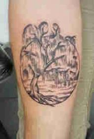手臂纹身素材 男生手臂上圆形和树纹身图片