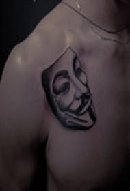个性复古肩部黑白纹身