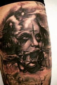 人物纹身图片 女生大腿上女生人物纹身图案