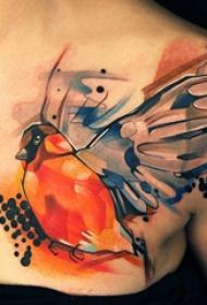 纹身锁骨女 女生锁骨上彩绘的小鸟纹身图片