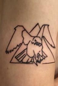 大臂纹身图 男生大臂上三角形和老鹰纹身图片