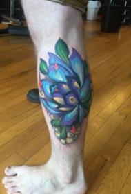 文艺花朵纹身 男生小腿上文艺花朵纹身图片