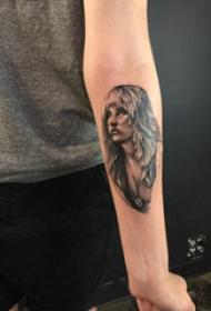 人物纹身图片 女生手臂上女性人物纹身图片