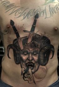 腹部纹身 男生腹部长剑和恶魔纹身图片