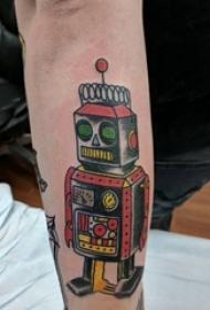 手臂纹身素材 男生手臂上彩色的机器人纹身图片