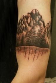 松树纹身 男生手臂上松树纹身图片