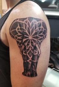 雙大臂紋身 男生大臂上黑色的大象紋身圖片