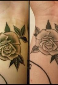 纹身 小玫瑰 女生手腕上欧美玫瑰纹身图片