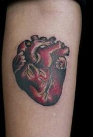 手臂纹身素材 男生手臂上心脏和大脑纹身图片