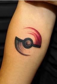 手臂纹身素材 男生手臂上手臂上彩色的精灵球纹身图片