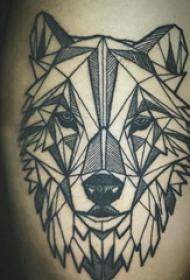 小腿对称纹身 男生小腿上黑色的几何狼头纹身图片