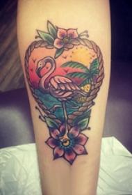 手臂纹身素材 女生手臂上花朵和火烈鸟纹身图片