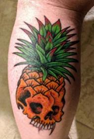 骷髅纹身 男生小腿上菠萝和骷髅纹身图片