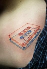 极简线条纹身 女生锁骨下极简线条纹身图片