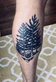 纹身风景 男生小腿上黑色的大树纹身图片