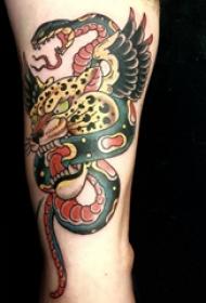 百乐动物纹身  男生大臂上蛇和豹子纹身图片