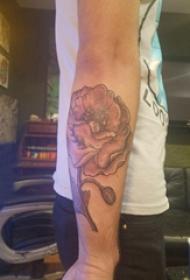 纹身图案花朵  男生手臂上彩绘的花朵纹身图片