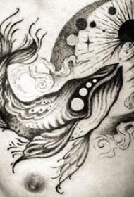 纹身鲸鱼 男生胸部鲸鱼纹身图片
