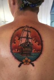 纹身小帆船 男生背部帆船纹身图片