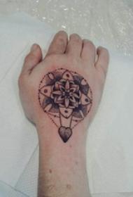 梵花纹身 女生手部梵花纹身图片