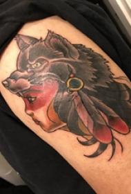 纹身狼和美女纹身图案  男生大臂上狼和美女纹身图片