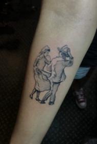 简易纹身素描 男生手臂上黑色的人物纹身图片