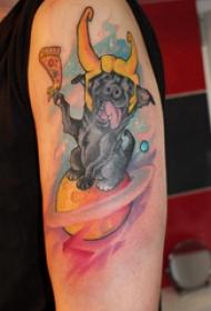 宠物狗纹身  男生手臂上彩色的宠物狗和星球纹身图片