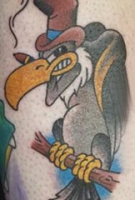 纹身卡通 男生小腿上彩色的卡通秃鹰纹身图片