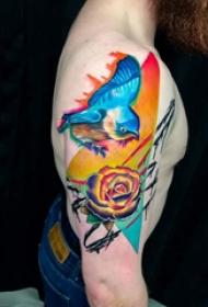 几何和花纹身图案 男生大臂上几何和花朵纹身图片