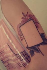 几何和花朵纹身图案  男生手臂上几何和花朵纹身图片