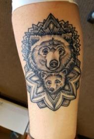 手臂紋身圖片 男生手臂上梵花和熊紋身圖片