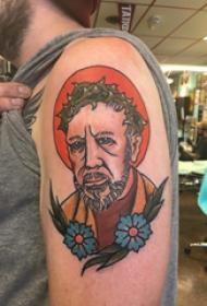 人物肖像纹身 男生大臂上创意的肖像纹身图片