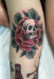 玫瑰纹身 女生膝盖上玫瑰纹身图片