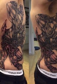 公牛圖騰紋身 男生側肋上公牛圖騰紋身圖片