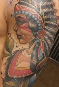 人物肖像纹身  男生手臂上彩色的印第安人纹身图片