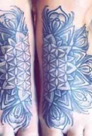 梵斑纹身 女生脚部梵斑纹身图片