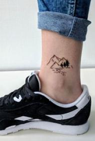 欧美小腿纹身 男生小腿上黑色的山脉纹身图片