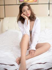 Lee小棠白衬衫私房写真 衬衫美女写真图片