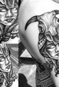 羊头骨纹身  男生大臂上人物和羊头骨纹身图片