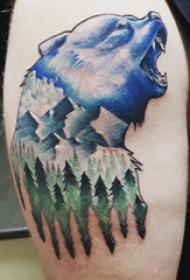 大臂紋身圖 男生大臂上森林風景和熊紋身圖片