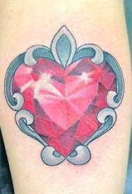 紋身鉆石  女生小臂上鉆石和心形紋身圖片