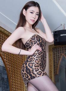 亞洲美女模特Zoey絲襪美腿誘惑高清寫真