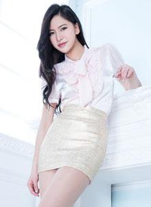 亞洲美女模特Lynn絲襪美腿翹臀性感寫真