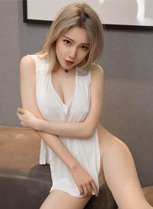 性感御姐黃樂然情趣內衣美腿翹臀丁子褲的誘惑