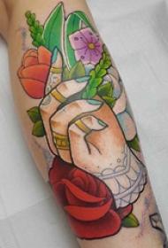 欧美小腿纹身 女生小腿上手部和植物纹身图片