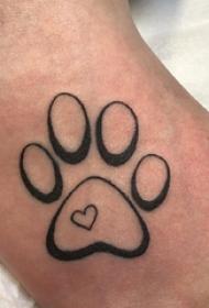 爪纹身图片 女生脚背上心形和爪印纹身图片