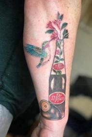 可口可乐纹身瓶  男生手臂上可口可乐纹身瓶和鸟纹身图片