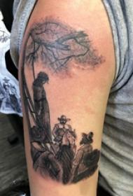 双大臂纹身  女生大臂上黑灰的景色纹身图片