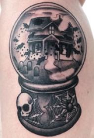 纹身黑色 男生大年夜腿上修建物的水晶球纹身图片